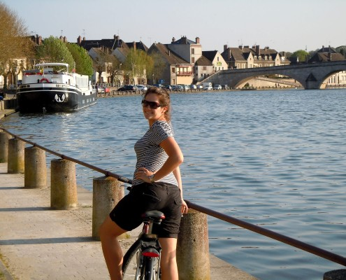 Cycling along the canals - C'est la Vie Barge © Barge Vacations